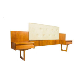 G Plan - Consigned G Plan Fresco Midcentury Floating Headboard - A Beautiful sleek mid century modern queen headboard with integrated cabinets and central cream padded area.