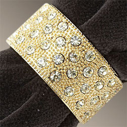 L'Objet Bands Gold Swarovski Napkins Rings - These beautiful napkin rings would add glitz and glamor to any table setting.  For a really dramatic look, use these with dark colored napkins like black or navy.