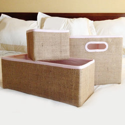 Pellon - Collapsible Jute Storage Box - Organize any mess with the help of this collapsible storage box,featuring a cotton fabric inner lining. This versatile storage box offers a durable jute exterior construction for years of use.