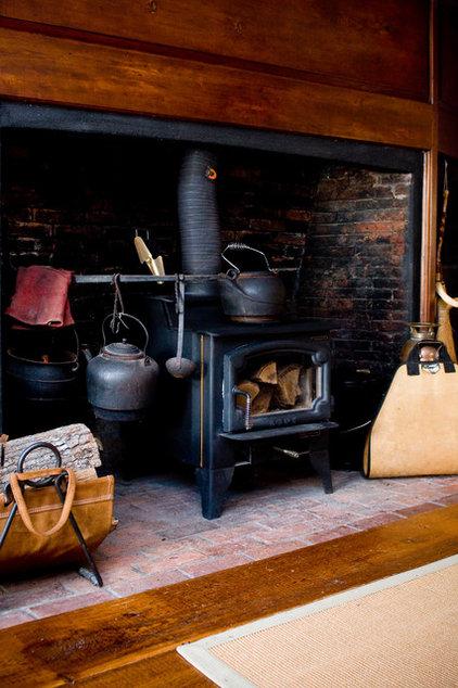 Farmhouse Living Room by LKM Design