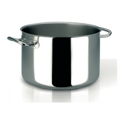 Frieling - Profiserie Half Stockpot, 10.6 qt. - Commercial grade thick aluminum core sandwiched between 18/10 stainless steel