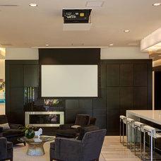 Modern  by Phil Kean Design Group