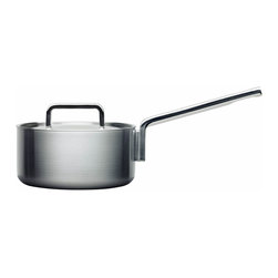 Iittala - Tools Saucepan with Lid 2 Quart - Talk about pot luck — you've just laid eyes on one superior saucepan. Its compound multilayered construction distributes and retains heat evenly, its generous handles make cooking a breeze, and it simply looks so stylish on your stovetop.
