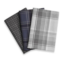 Palais Royale - Palais Royale Portuguese Flannel Sheet Set - This luxurious sheet set is made from authentic Portuguese flannel, known worldwide for its incredible softness and high-quality manufacture. These heavy-weight sheets are the perfect way to transform your bed into a warm and cozy haven.