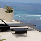 Lebello - Modern Outdoor Chaise Lounge Sun Day R - Sun Day R is a modern chaise lounge that features a four point adjustable backrest with a storage compartment for towels.