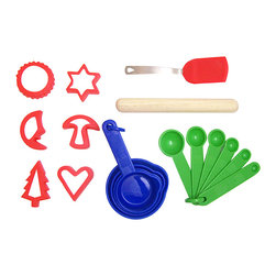 Sassafras - The Little Cook Basic Cookie Baking Kit - This high-quality set was created just for kids and comes with all the utensils a bitty baker needs to cook up delicious treats.   Includes six cookie cutters, measuring cups, measuring spoons, spatula and rolling pin Silicone Dishwasher-safe Recommended for ages 5 years and up Imported