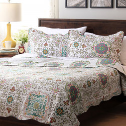 None - Slumber Shop Candella 3-piece Reversible Quilt Set - This beautiful Candella patterned bedspread with matching shams is ideal for warmth and comfort. Made from quality materials,this bedding is durable as well as stylish.