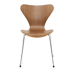 Fritz Hansen - Series 7 Chair, Walnut - The cooperation between Arne Jacobsen and Fritz Hansen was further elevated with the stackable Series 7 Chair, the most sold chair in the history of Fritz Hansen.