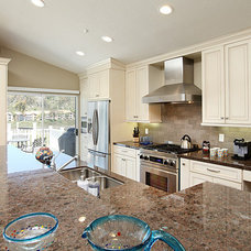 Beach Style Major Kitchen Appliances by LIFESTYLE KITCHENS by The Kitchen Lady