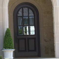 traditional entry by Texas Door & Trim, Inc.