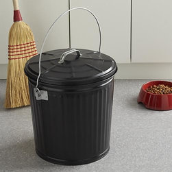 Black Lock Top Can - Coordinating with the black ash bucket and shovel, this sturdy and attractive pail features a locking lid to safely store hot embers, ashes and stove pellets by the fire or firepit. The all-purpose, convenient design also holds charcoal, pet food, seed and more.