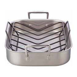 Le Creuset - Le Creuset Tri-Ply Stainless Steel Roaster - Are you in charge of cooking the turkey this year? Don't worry, this stainless steel roaster does most of the work for you. The nonstick rack elevates the turkey for even browning, while the tri-ply, stainless steel pan with aluminum core provides superior conduction.