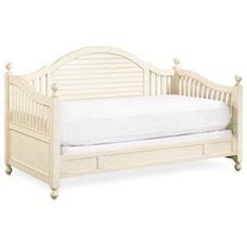 Traditional Kids Beds by Furnitureland South