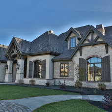 Traditional Exterior by Syringa Realty