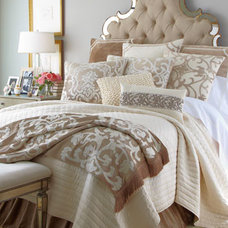 Traditional Bed Pillows And Pillowcases Traditional Bed Pillows