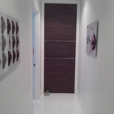 Modern Interior Doors by DAYORIS DOORS / PANELS