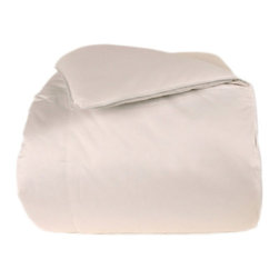 None - Outlast 350 Thread Count Queen / King-size Down Alternative Comforter - Outlast® technology enhances this comforter by providing the benefit of proactive temperature regulation that manages heat and moisture. The cotton baffle box construction ensures a warm and comfortable rest.