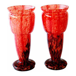 Schneider Vase - Early art deco pair of vase in the style of Schneider ,  cased glass is a glass piece that has two or more layers of different colors. The inner or outer layers of this glass can also be clear. It can be created in a number of ways.