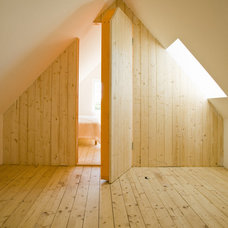 Rustic Hall by LASC Studio