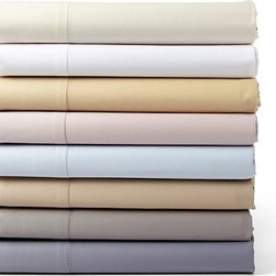 Hudson Park 600 Thread Count Sheets - I'm sold on these 600 thread count sheets that come at a relatively affordable price — especially when I factor in the array of neutral colors they're available in that should work with any bedroom decor.