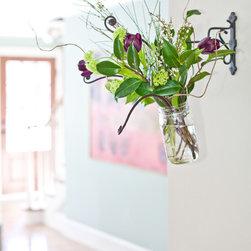 Hanging Vase - Liz Donnelly
