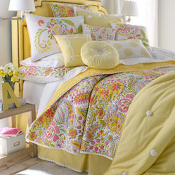 "Dena Home Full/Queen Paisley Quilt, 90"" x 90"""
