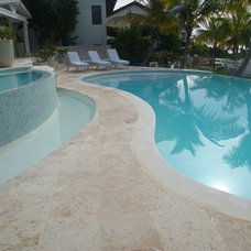 Tropical Hot Tub And Pool Supplies by Recursos Globales, S.R.L.
