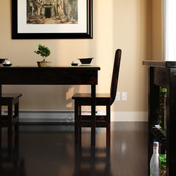 Stained Strand Woven Glueless Click Lock Bamboo Flooring - Smooth surface bamboo floor in casual dining area.