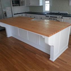 EDGE Grain Hard Maple Country Living Kitchen Island - California Butcher Block tm