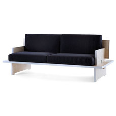 Modern Sofas by beut.