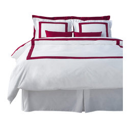 LaCozi - LaCozi Burgundy & White Duvet Cover Set - Dream weaver: This magnificent duvet cover set is woven with 1,100-thread count cotton for a luxury only a five-star resort can duplicate. Each set is hand sewn with a brilliant color of your choice against crisp white.