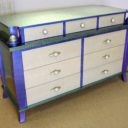 Barcelona Bedroom, 9 drawer dresser