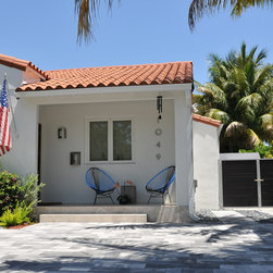 Miami Beach Residence - Lovely Miami Beach residence with AlumiSlat gates to compliment.