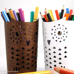 Owl Pencil Holder by Dululu - Owl pencil holders would be perfect on a desk for kids or adults.