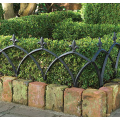 traditional fencing by https://www.charlestongardens.com