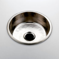 Traditional Kitchen Sinks by Waterworks