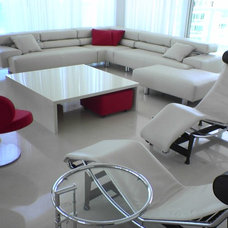Modern Living Room by Metro Door Aventura / Metro Door Brickell