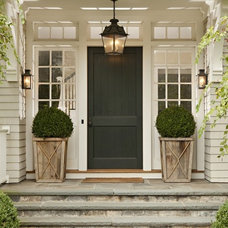 welcoming porch + rope detail on planters | home exterior