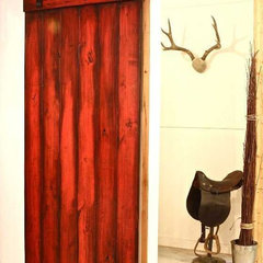 Photo from http://homedesign2you.com/modern-nylon-barn-door-hardware-interior-ki