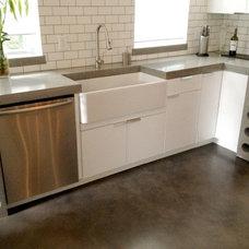 Modern Kitchen by Concrete Zen