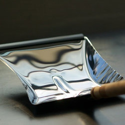 cleaning - the essential dust pan
