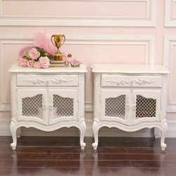 Elegant Pair of White French Style Mesh Nightstands - This gorgeous pair of nightstands features a lovely shape. Features a single drawer across the top and double, mesh doors which open to storage space. Note the ornate legs have scroll feet! So charming. Would make a gorgeous addition to any French style or shabby chic style bedroom! See photos for details.