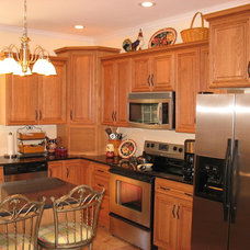 Traditional Kitchen Cabinetry by Kitchen Gallery