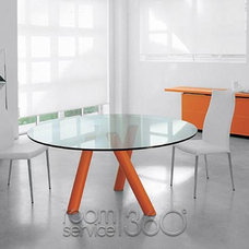 Modern Dining Tables by RoomService 360