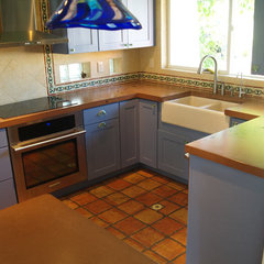 mediterranean kitchen by BC Coatings