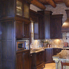 mediterranean kitchen cabinets by Vivienda LLC