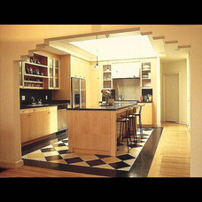 Traditional Kitchen by James Hill Architect, AIA