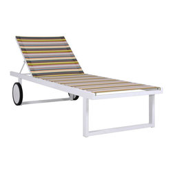 Mamagreen - Stripe Sunlounger - The Stripe Sunlounger combines highly weather resistant powder coated aluminum with durable textile. Displaying intelligent design, Stripe Armchair is true outdoor luxury. Available in a variety of mesh colors.
