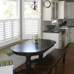 traditional kitchen Cottage Kitchen by Valerie Pedersen