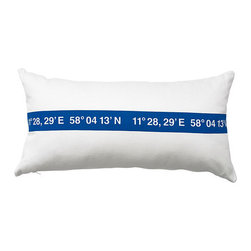 Lisel Cushion, White/Blue - I'm a fan of simplicity, and this pillow (and matching bedding) does a great job of showing off its coastal charm.
